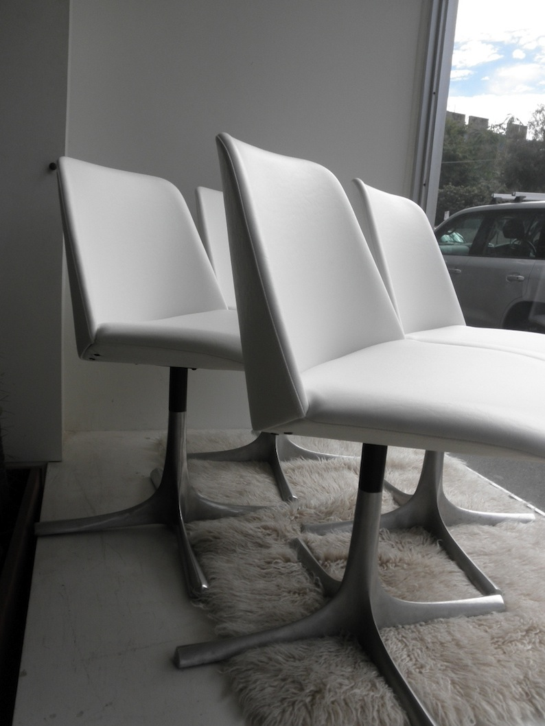 4 Grant Featherston Varna Chairs Red Rider