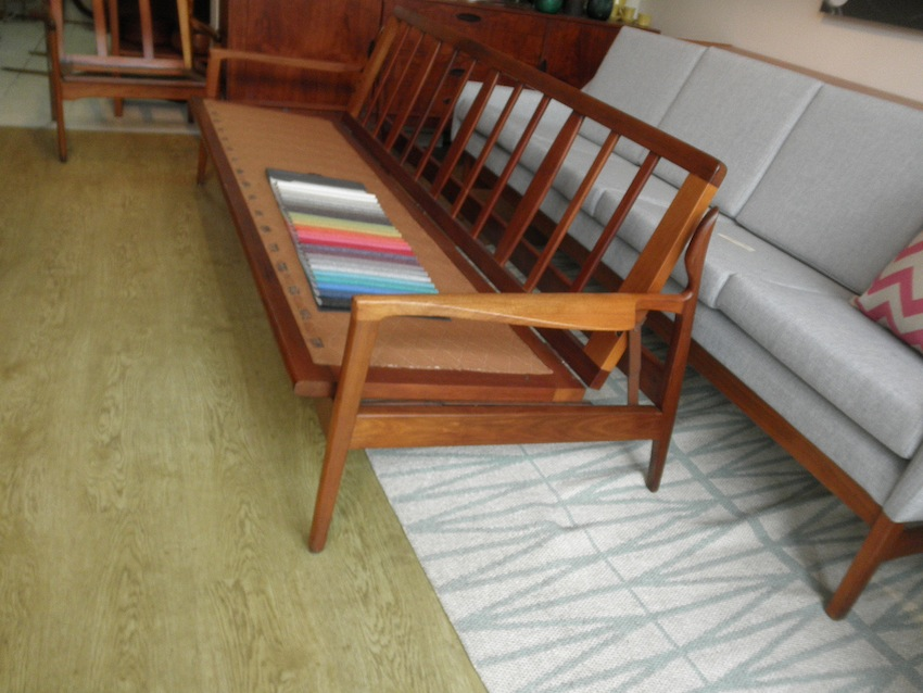 Fler Narvik Day Bed And Two Chairs In Blackwood By Fred Lowen Red Rider
