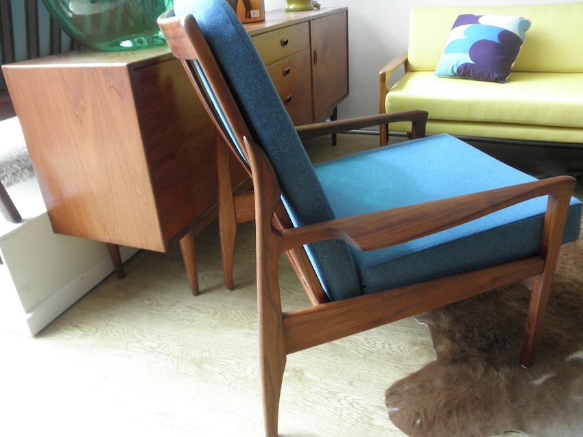 Fler Narvik Day Bed And Two Chairs In Blackwood By Fred